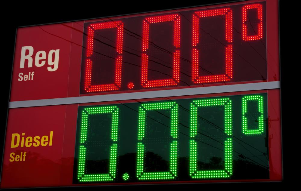 En 2016, bajará la gasolina; subirá la demanda de autos grandes
