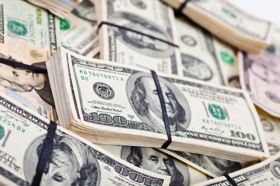 Dinero de 'El Chapo' muy cerca de Mickey Mouse