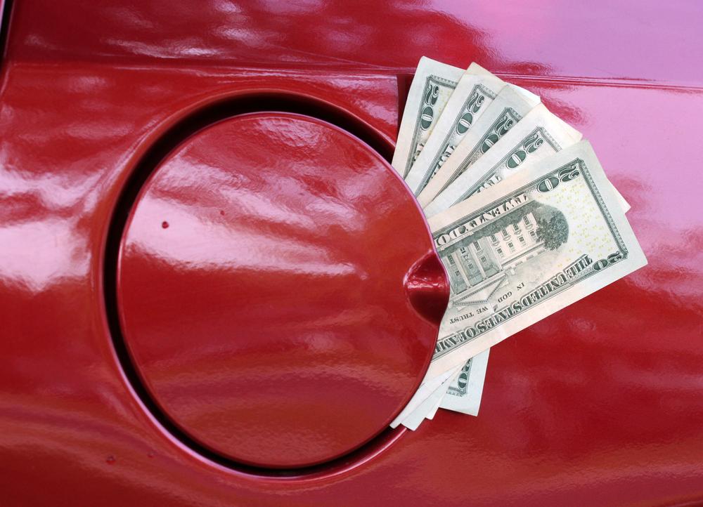 El precio de la gasolina ha subido ligeramente en los últimos 40 días. /Shutterstock