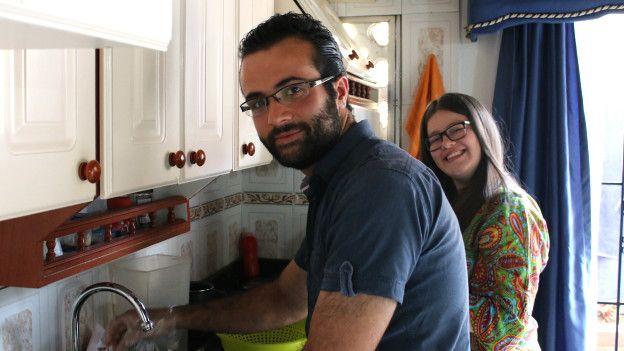 Su esposa Jessica, que es colombiana, también participa del negocio de comida.