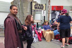 ¿Acamparías 12 días para ver nuevo 'Star Wars'? Estos fans lo están haciendo...