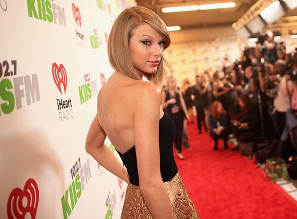 ¡No es monedita de oro! Llaman a Taylor Swift una 'Barbie elitista nazi'
