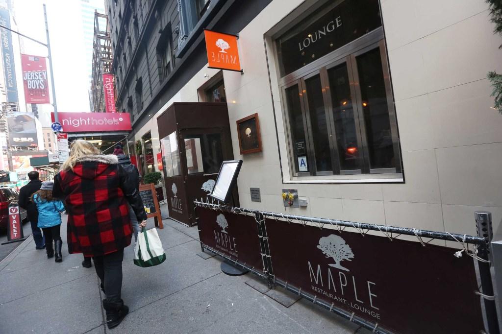Maple Restaurant & Lounge ubicado en la Calle Oeste de la 47 en Times Square, era el lugar de trabajo del muchacho mexicano Hugo Galindo asesinado en la Avenida Decatur por 6 hombres. Foto Credito: Mariela Lombard / El Diario.