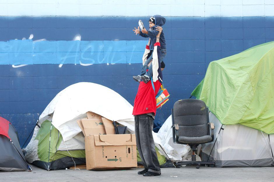 $1,000,000,000: costo de apoyo a indigentes en Los Ángeles