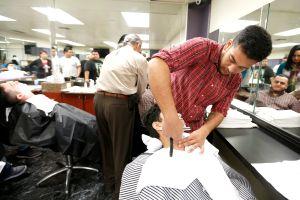 Estilistas exigen las dejen abrir salones o ayuda del gobierno por coronavirus