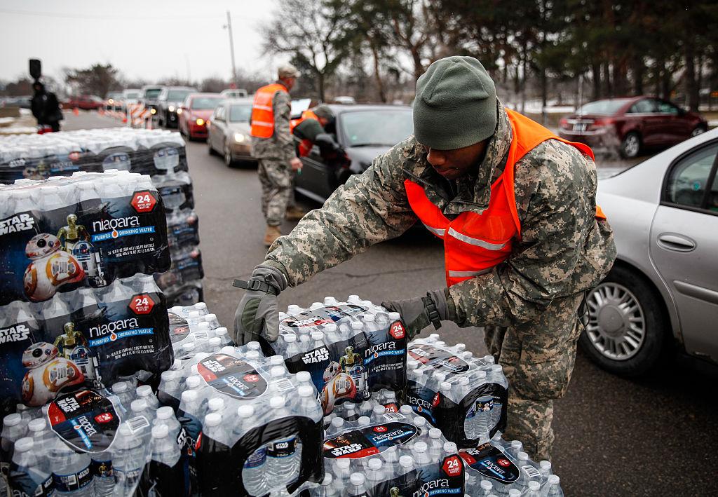 Buscan visa U para indocumentados afectados por agua contaminada de Flint, en Michigan