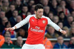 El contrato de Mesut Özil tiene una cláusula 'anti Barcelona'