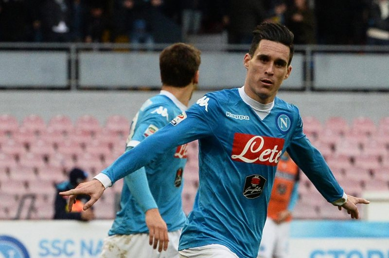 Higuaín y Callejón encabezan goleada del Napoli que es líder de la Serie A
