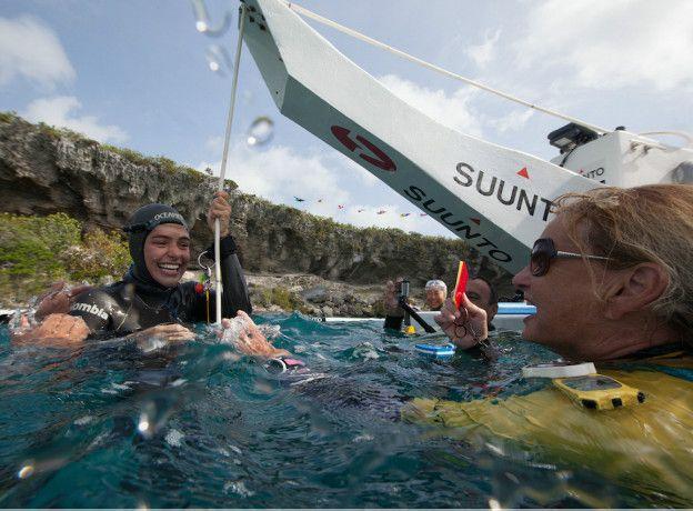 Tienes que ver estas increíbles fotos submarinas de la apneísta Sofía Gómez