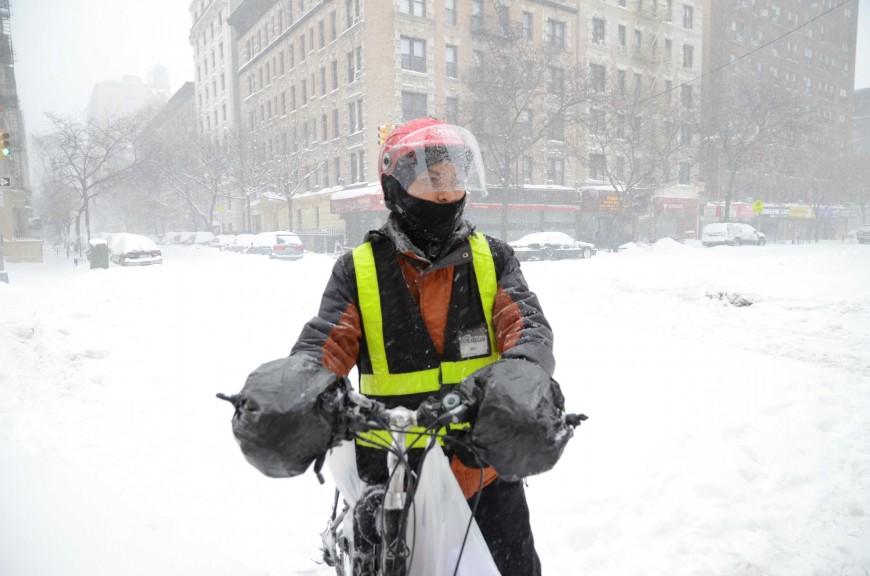 Gerardo trabaja haciendo domicilios para un restaurante en Manhattan.