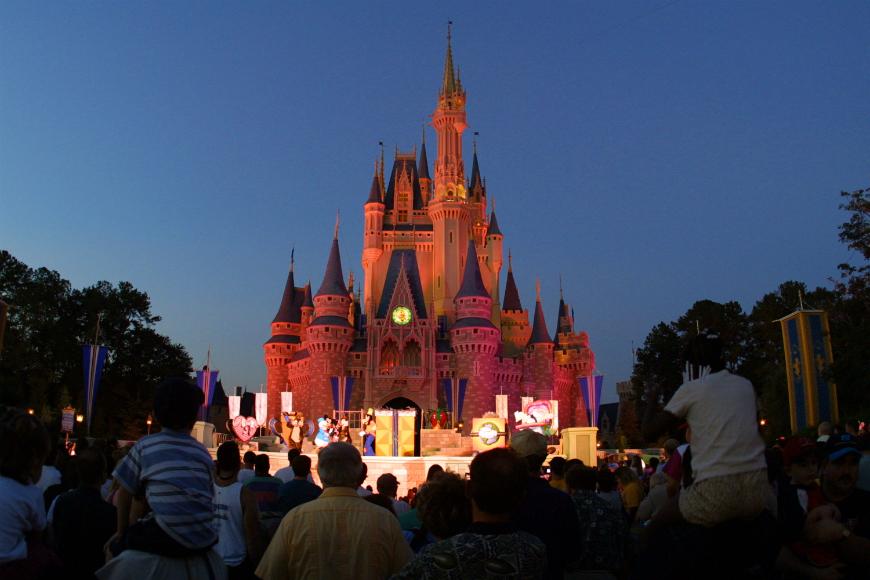 Disney World reanudaría operaciones el 11 de julio
