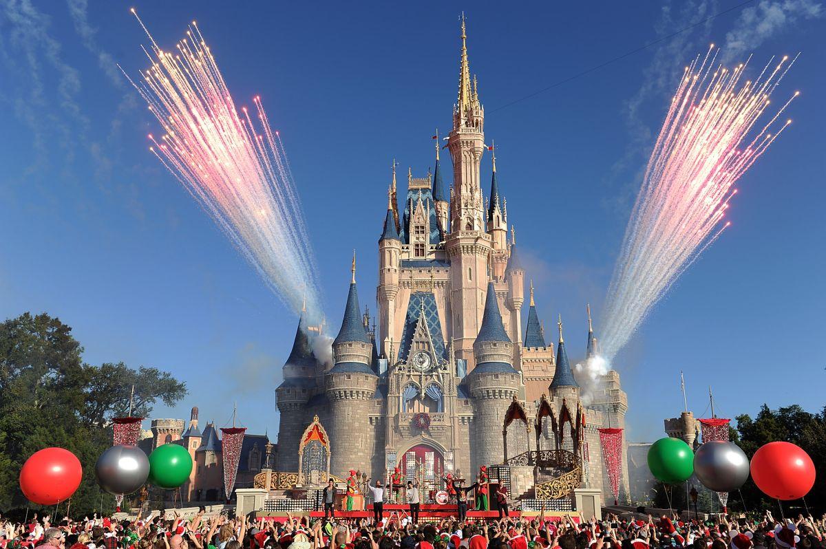 Disneyland podrá abrir en abril con visitas solo a un 15% de su capacidad