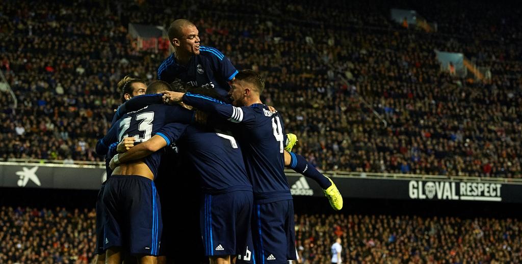 Dos pases sin ver en triangulación de la BBC del Real Madrid para un señor golazo