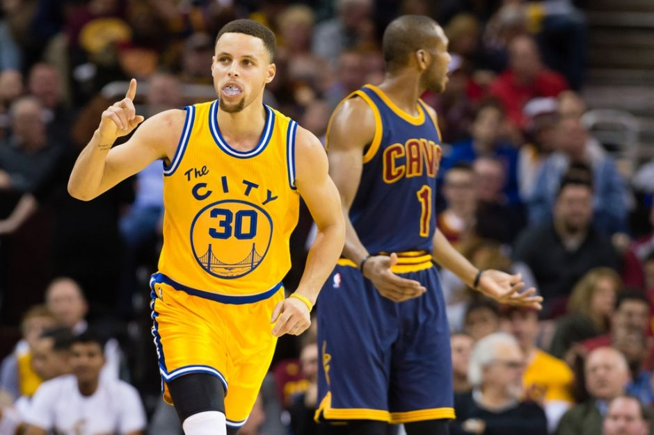 Curry y Warriors todavía son demasiada pieza para LeBron y los Cavaliers: les ganan por 34