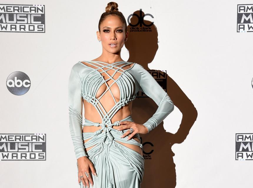 """J.Lo promociona """"Ain´t your Mama"""" presumiendo sus curvas (fotos)"""