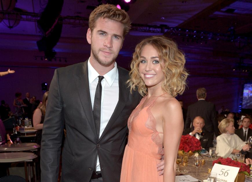 Liam Hemsworth rompe el silencio tras ardientes fotos lésbicas de Miley Cyrus con otra mujer