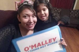"O'Malley consigue apoyo de cofundadoras de grupo de ""DREAMers"" en Iowa"