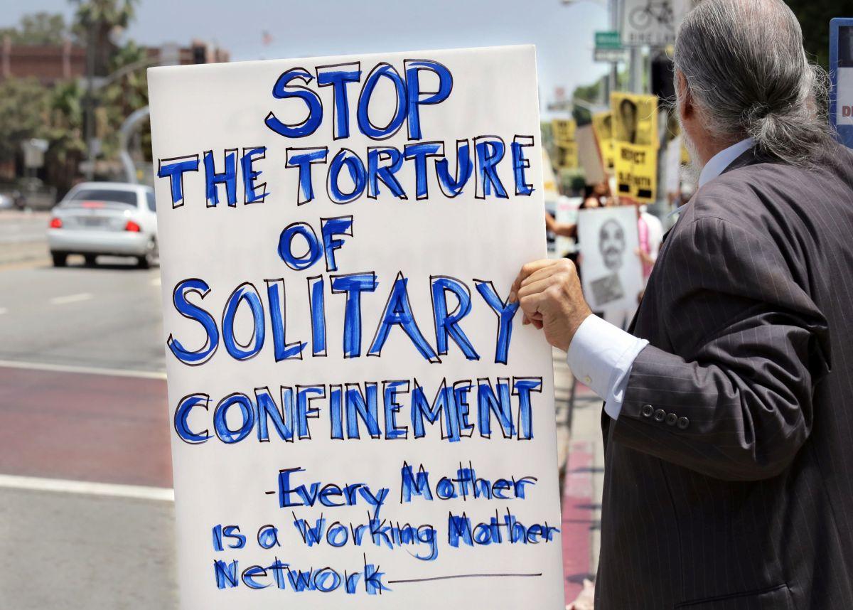 Los Ángeles prohíbe el confinamiento solitario en las cárceles juveniles