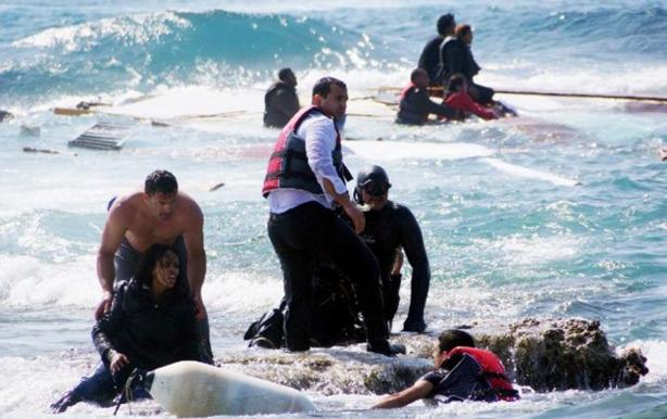 Al menos 41 refugiados mueren en naufragios en el mar Egeo