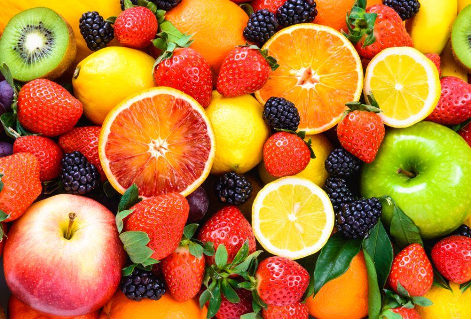 Combate la anemia con deliciosa receta de cóctel de frutas