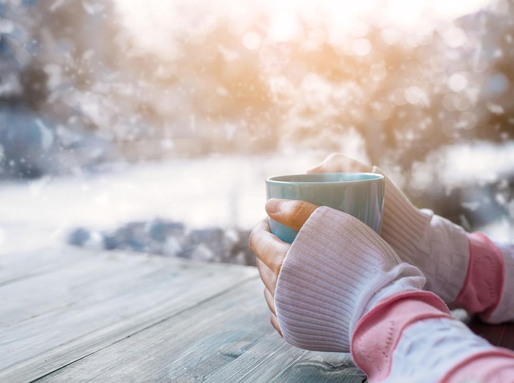 Prepárate para el frío con este latte de té de manzanilla y miel