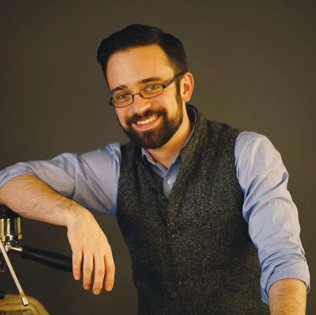 Sam Lewontin, barista premiado a nivel nacional y embajador de la marca Krups.