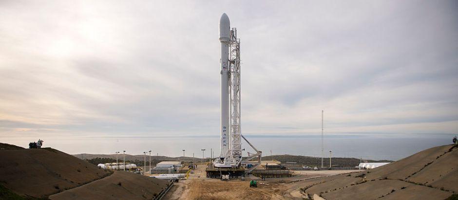 Mira el momento en que el cohete de SpaceX explota al aterrizar