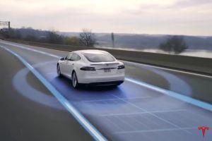 Así funciona el modelo de autoconducción de Tesla (video)