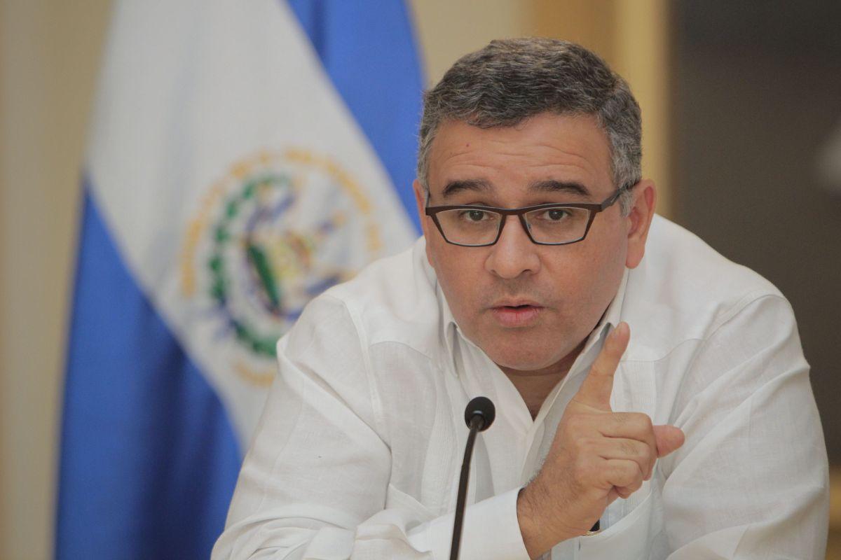 El Salvador: Supremo confirma juicio a Funes por enriquecimiento ilícito
