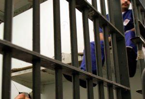 Condenan a cadena perpetua a un padre que mató a sus tres hijos en Los Ángeles