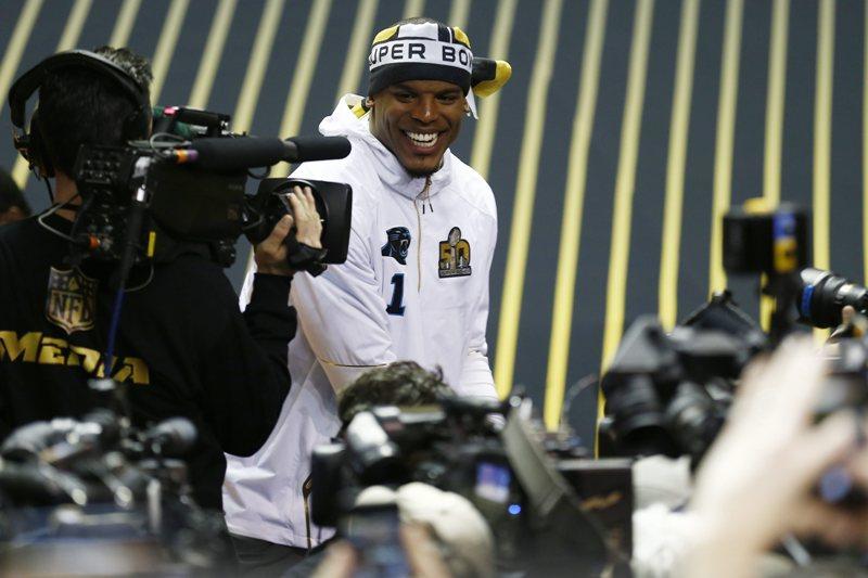 Cam Newton, será una verdadera fiera en el campo del Super Bowl 50.