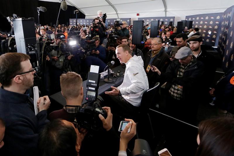 El gran Peyton Manning se puso sensible ante temas de salud a tres días del Super Bowl.