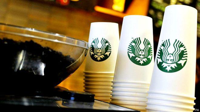 Familia demanda a Starbucks en San Bernardino, alega haber bebido sangre de empleado