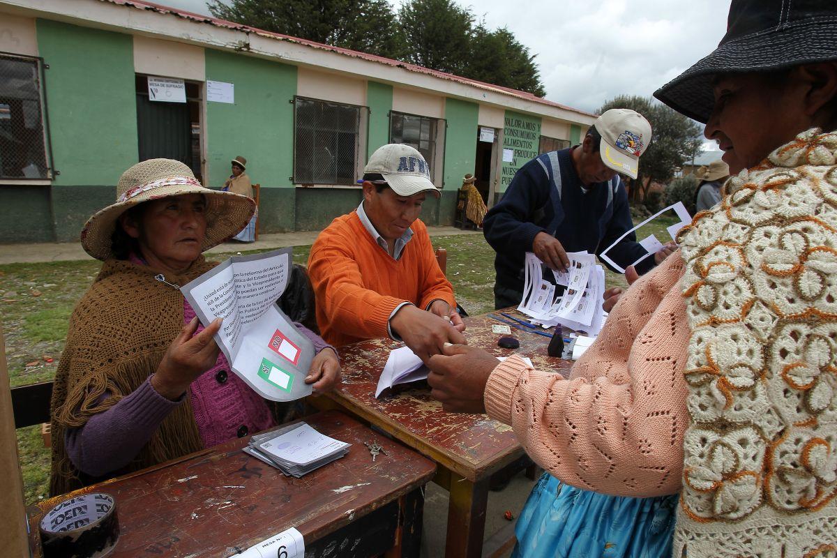 El fantasma del fraude visitó las elecciones en Bolivia