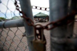 """""""Deben estar felices"""". Cancelan construcción de cárcel para 1,000 inmigrantes indocumentados"""