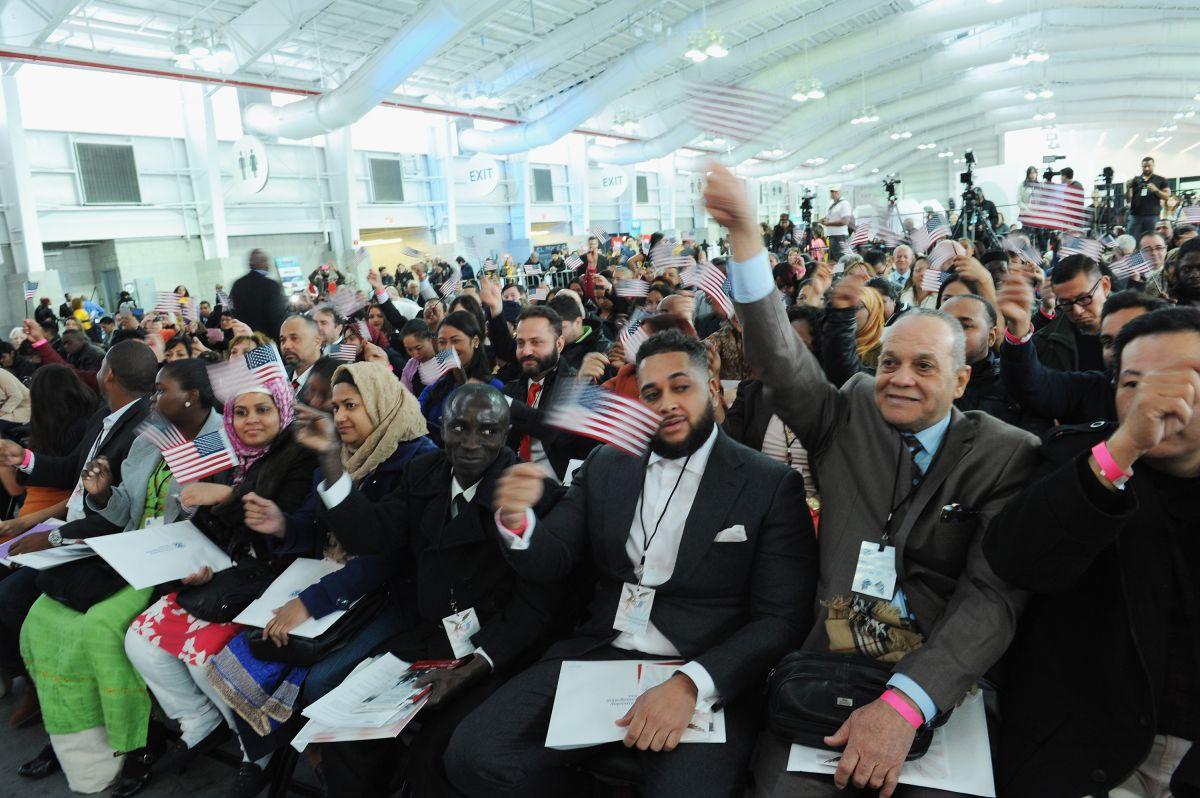 Organización celebra cinco años impulsando la naturalización entre inmigrantes