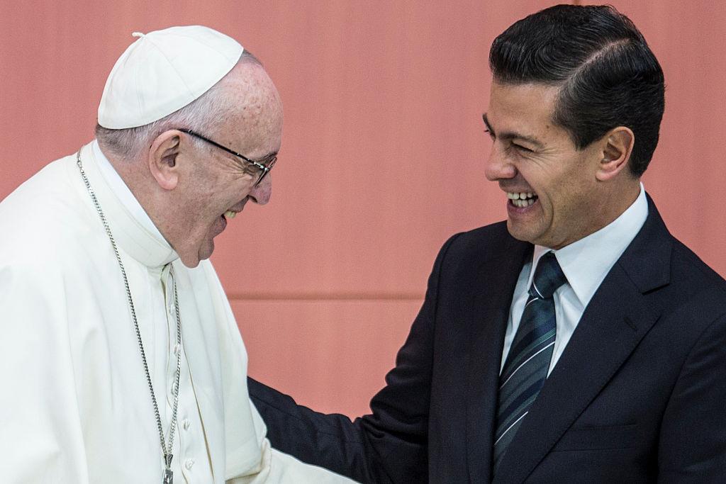 El papa Francisco y el presidente de México, Enrique Peña Nieto.