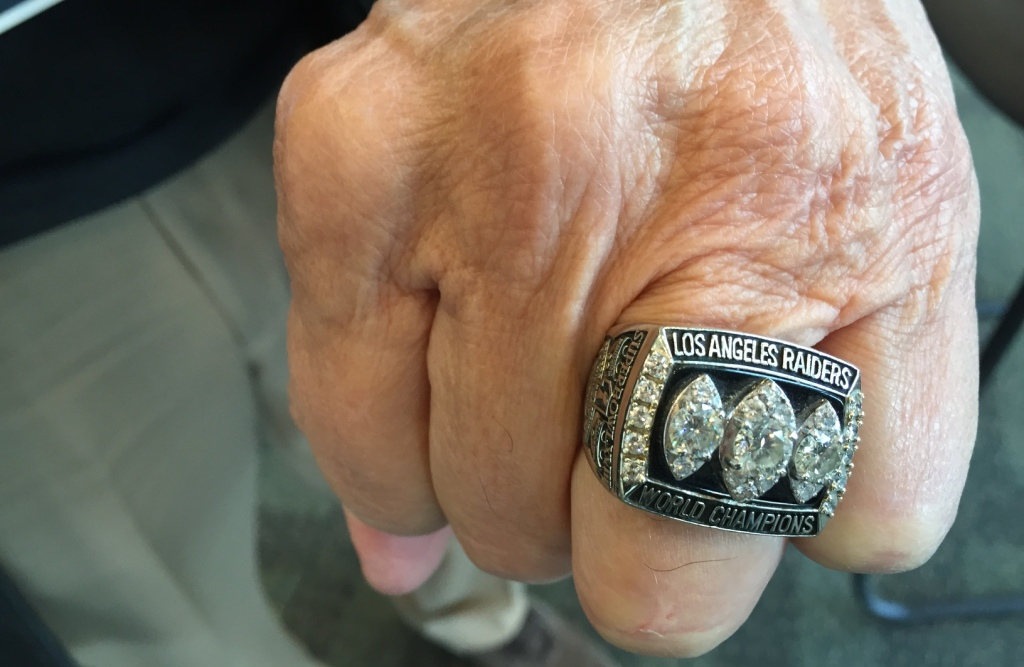 Exclusiva: Tom Flores y por qué es importante que otro coach latino pueda ser campeón en el Super Bowl