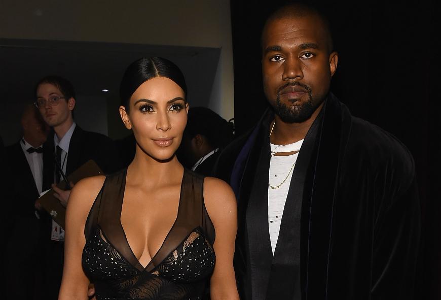 Este cantante cree que Kanye West es víctima de la 'maldición de las Kardashian'