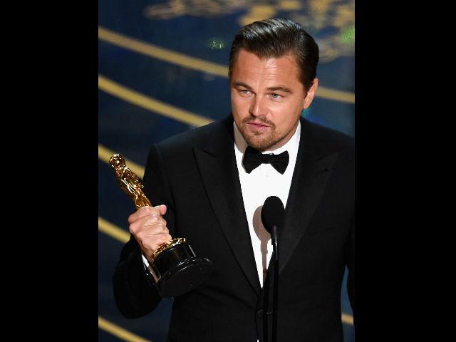 """¡Es el """"rey del mundo""""! Leonardo Dicaprio se llevó su primer Oscar"""