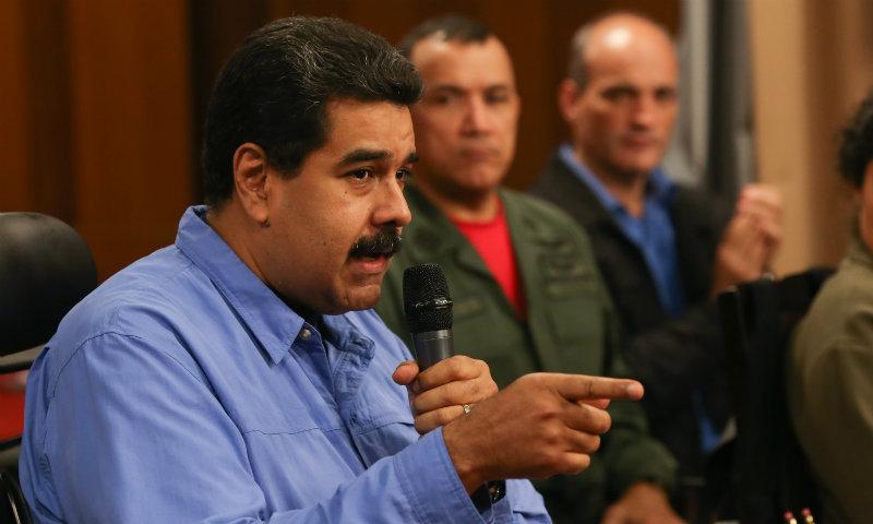 Nicolás Maduro destituye a Luis Salas, ministro de Economía