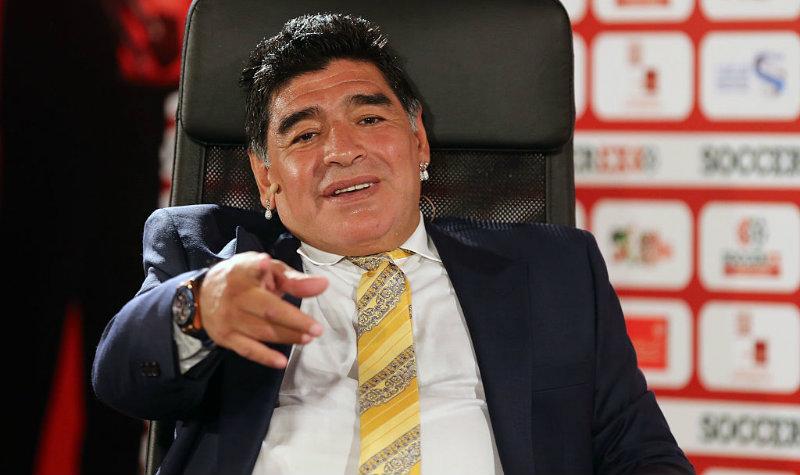 Maradona se lanza en contra de Gianni Infantino