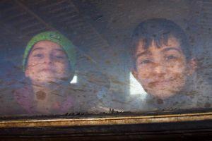 """Los """"niños marcados"""" inundan la Frontera Sur de EEUU"""