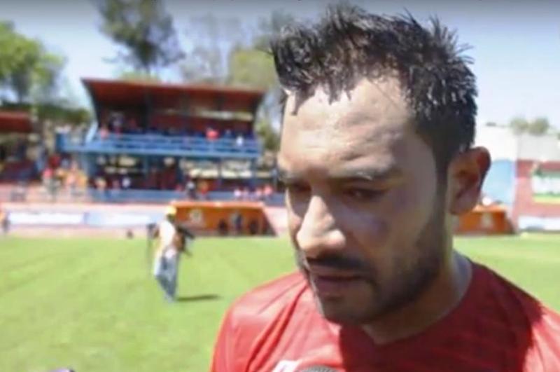 Carlos 'Pescadito' Ruiz, feliz tras su triplete ante Petapa.