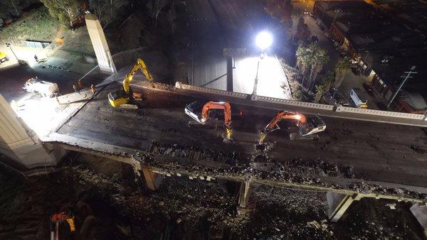 Avanza la demolición del puente de la Calle 6 (video y fotos)