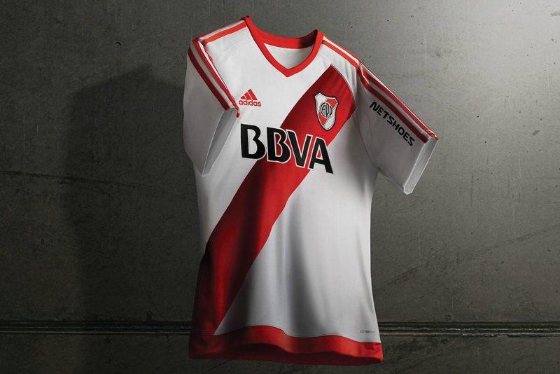 River Plate estrena uniforme para el 2016