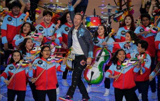 Así recibió LA a los jóvenes latinos estrellas del Halftime Show