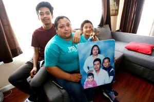 Condena previa por violencia doméstica pone a inmigrante a punto de la deportación