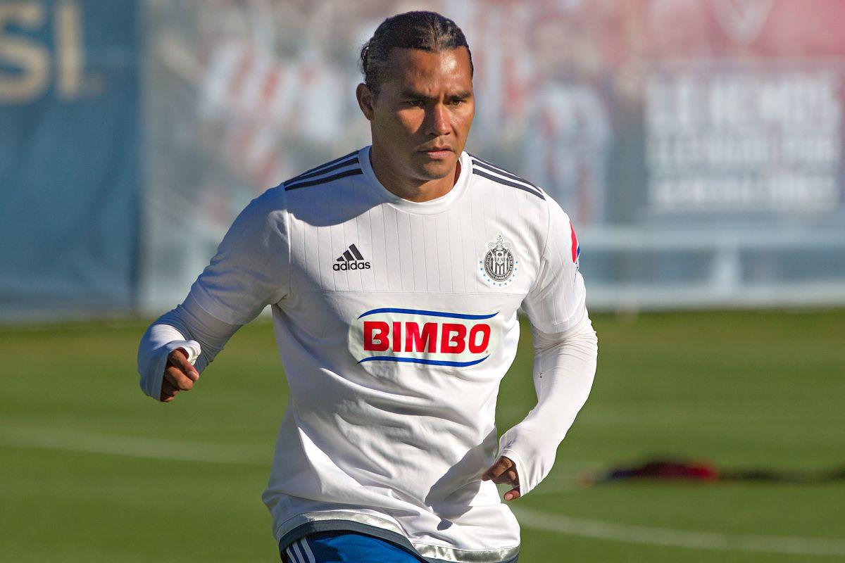 'Gullit' Peña se defiende de los rumores de que llegó borracho a entrenar con Chivas