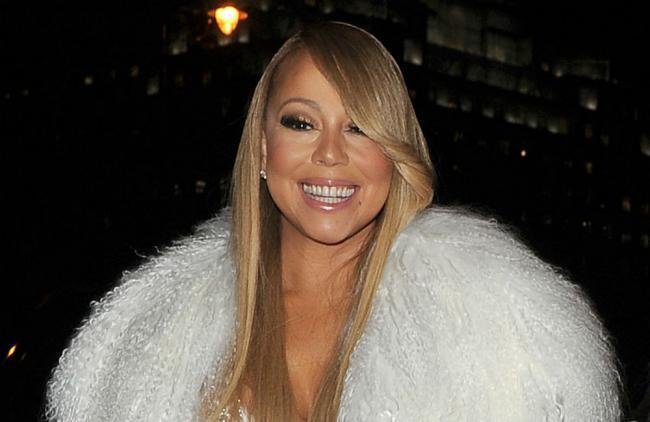 Hermana de Mariah Carey le suplica a la cantante por ayuda
